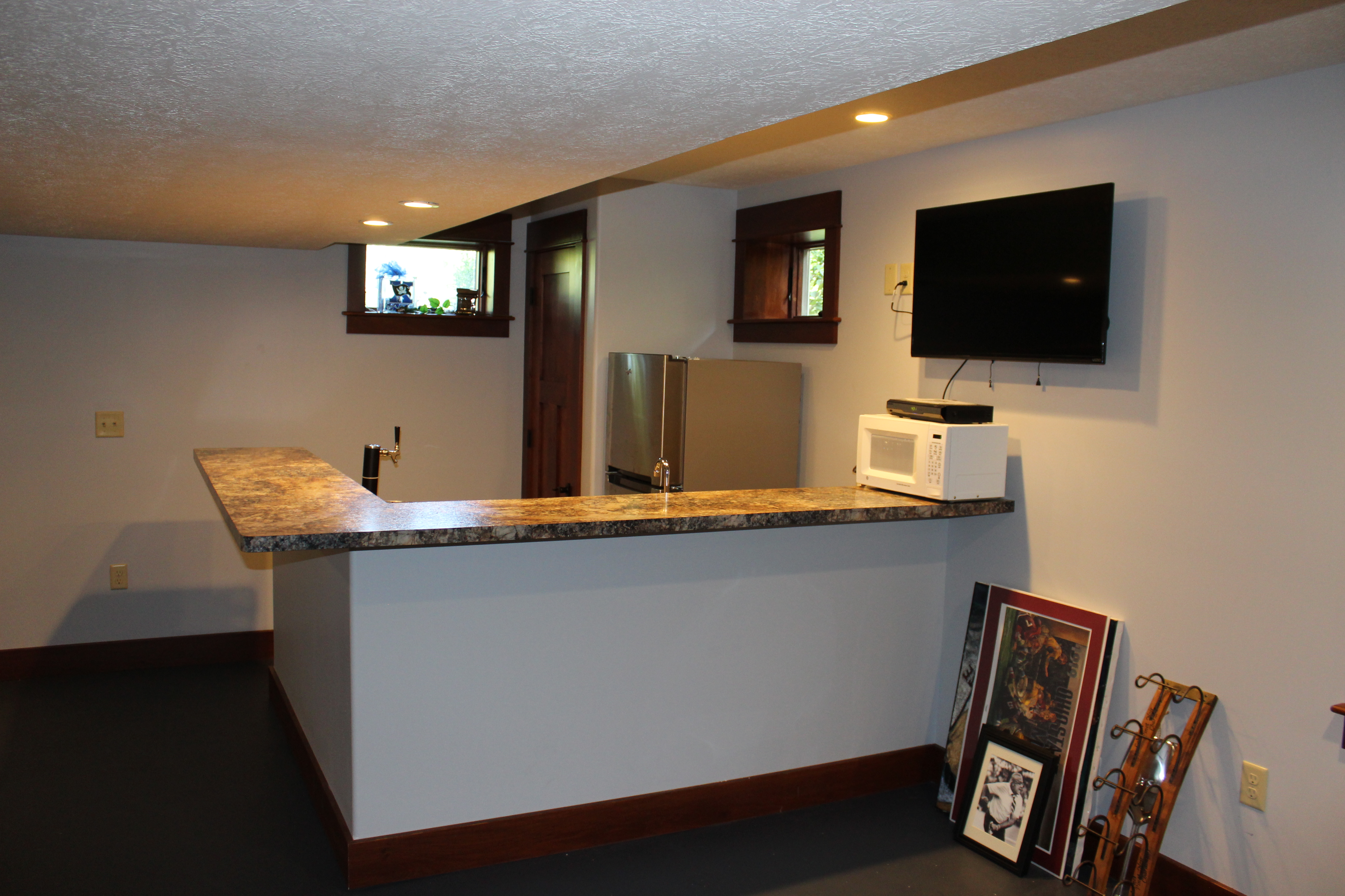 Basemet Wet Bar Reconstruction